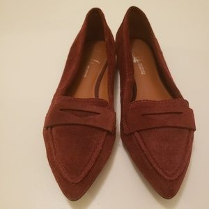Sued Loafer  size 7M